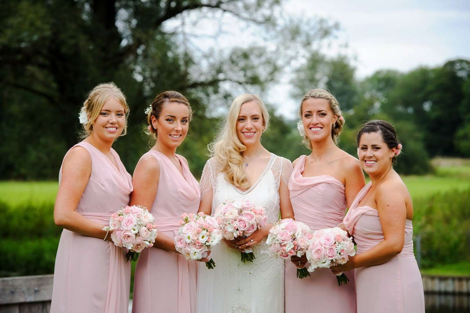Choose the right dresses for your bridesmaids